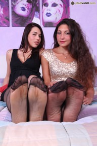 19.03.2017 · Gioia, Petra · Pantyhose, Two Or More Girls