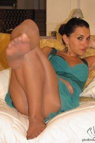10.01.2010 · Valentina · Pantyhose