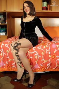 12.02.2012 · Valentina · Pantyhose