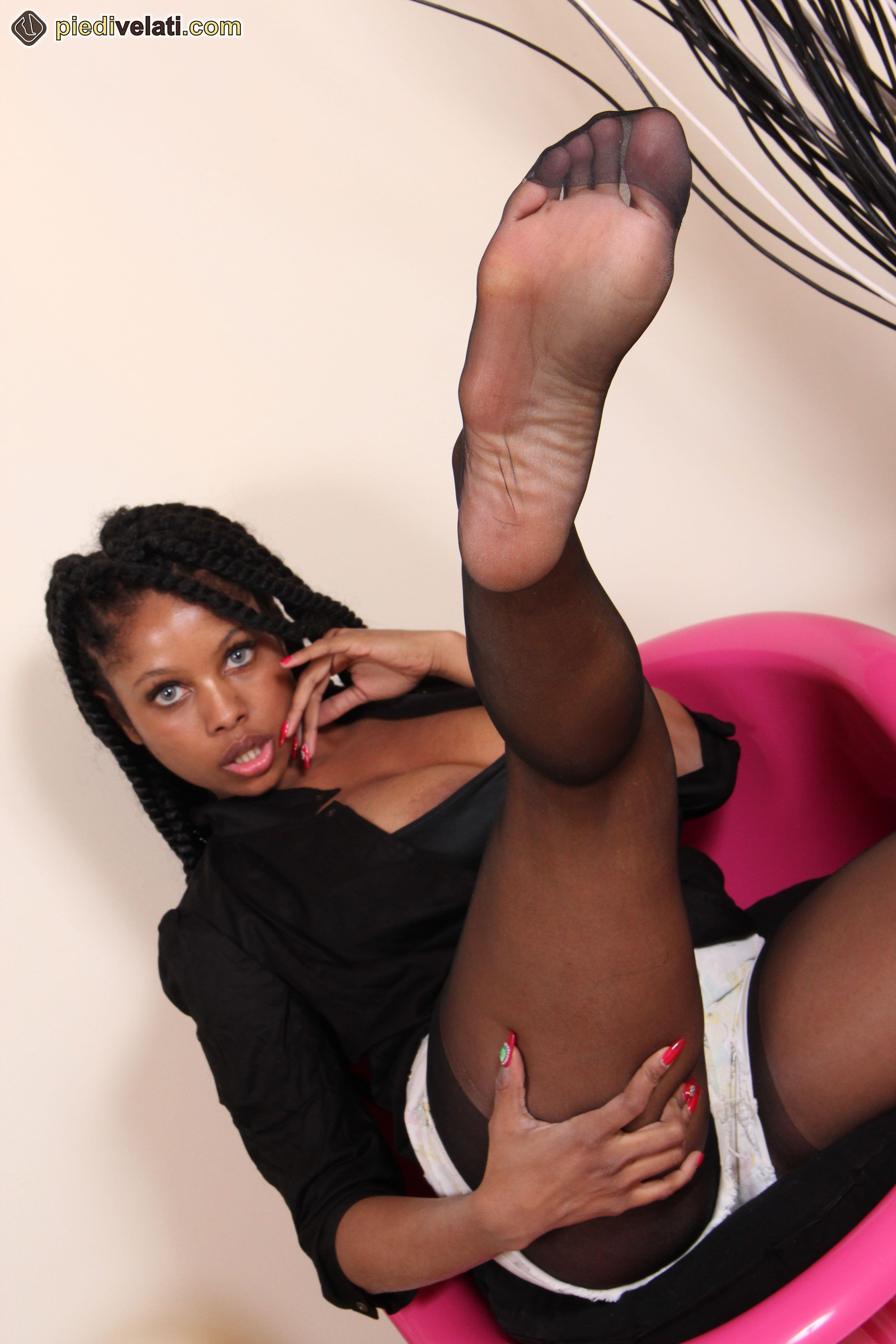 Ebony pantyhose galleries